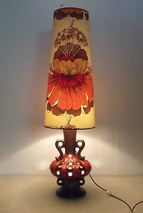 beautiful 70's lamp. Great for display window, or basement
