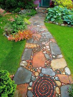 How to Make a Pebble Mosaic - house crush.ideas for our next home - How to Make a Pebble Mosaic Mixed material mosaic walkway. Garden Cottage, Home And Garden, Family Garden, Mosaic Walkway, Rock Walkway, Slate Walkway, Paver Walkway, Outdoor Spaces, Outdoor Living