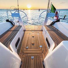 italiayachts Italia 12.98 waits for you in @portopiccolosistiana // Italia Yachts Open Days // 6 - 7 May 2016 // Photo @nicolabrollo // www.italiayachts.it #italiayachts #sailing #vela #venicelagoon