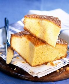 Learn how to prepare this easy Quatre Quarts (French Pound Cake) recipe like a pro. With a total time of only 55 minutes, you'll have a delicious dessert ready before you know it. Sweet Desserts, Sweet Recipes, Delicious Desserts, Tortas Light, Deli Food, Pan Dulce, Pound Cake Recipes, Round Cake Pans, Cake Shop