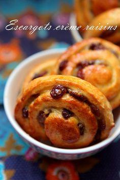 Escargots à la crème patissière et raisins secs (Pains aux raisins) - Rdv Aux Mignardises chez Mouni