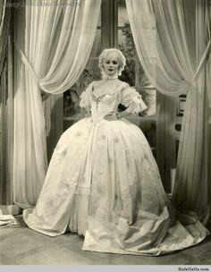 Dolores Del Rio, 1934. (Madame Du Barry – film).