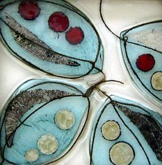 Former primary school teacher Wendy Newhofer now works as a full time artist combining metal leaf, wire and sheets of float glass to create the painterly pieces you see here.