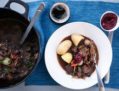 Reinsdyrgryte med sopp og porter Beef, Food, Meat, Meals, Ox, Yemek, Eten, Steaks, Steak