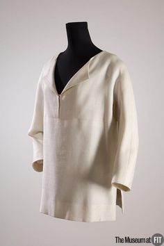 Balenciaga Medium: Linen Date: c.1962 Country: France