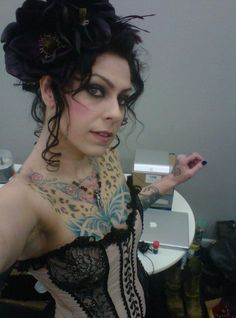 American Pickers Danielle | PHOTO American Pickers' Danielle Colby is sextacular in a corset ...