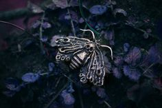 Gothic Necklace  Shadow Queen   Moth von AncientHeartsShop auf Etsy