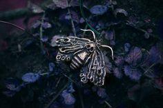 Gothic Necklace  Shadow Queen   Moth von AncientHeartsShop auf Etsy