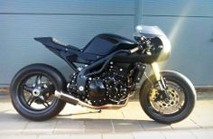 House of Customs Triumph Speed Triple 1050