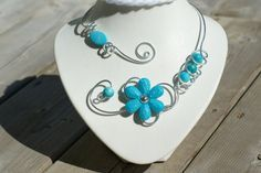 Statement necklace, Turquoise Jewelry - Wedding jewelry - Alum wire necklace - Open necklace - Women gift, gift for her Turquoise Wedding Jewelry, Prom Jewelry, Bridesmaid Jewelry, Wire Jewelry, Bridal Jewelry, Beaded Jewelry, Beaded Necklaces, Teal Necklace, Wire Necklace