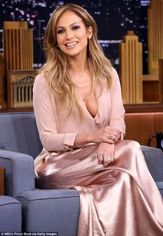 Love these soft colours and textures on JLo