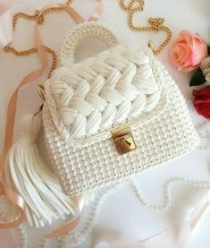 Free Crochet Bag, Crochet Shell Stitch, Cute Crochet, Crochet Bags, Beautiful Crochet, Crochet Backpack, Backpack Pattern, Crochet Handbags, Crochet Purses