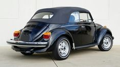 1979 Volkswagen Super Beetle Convertible - Hollywood Wheels Auction Shows Vw Cabrio, Vw Super Beetle, Beetle Convertible, Import Cars, Valspar, Volkswagen, Vw Camper, All Cars, Vw Beetles