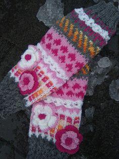 Kili, Fingerless Gloves, Arm Warmers, Knitting, Knitting Socks, Fingerless Mitts, Tricot, Breien, Stricken