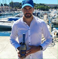 #sailaway with #theindependentprosecco by #fantinel & #italiaindependent ⛵️ #winelovers #sparklingwine #bubbles #wineoclock #winenot #lifestyle #mensfashion #mensstyle #design #fashion #winetime #boatlife #summertime #summerstyle #italiansdoitbetter #accessories