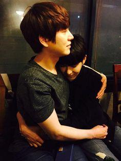 So Bromance - Ryeowook & Kyuhyun.. cute..