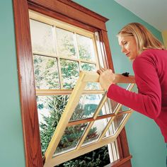 Ready to replace your drafty old windows with new energy-efficient units? We'll show you the two easiest ways to pull out old windows and put new ones inand you don't have to tear off the interior moldings or disturb exterior trim and siding to do it. Vinyl Window Trim, Window Inserts, Double Hung Windows, Old Windows, Vinyl Replacement Windows, Home Fix, Diy Home Repair, Exterior Trim, Home Repairs