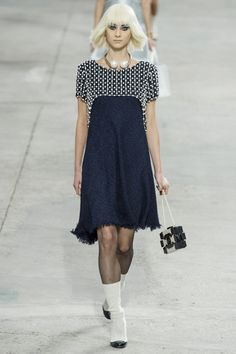 See all the Collection photos from Chanel Spring/Summer 2014 Ready-To-Wear now on British Vogue Fashion Week Paris, Runway Fashion, Spring Fashion, Fashion Show, Womens Fashion, Fashion Design, Haute Couture Style, Vogue, Chanel Dress