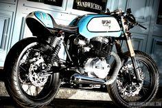 Une Honda CB 400 N cafe-racer, 1ère prépa signée 87 DB Design...