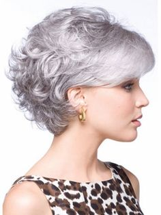 Do you like your wavy hair and do not change it for anything? But it's not always easy to put your curls in value … Need some hairstyle ideas to magnify your wavy hair? Short Permed Hair, Short Grey Hair, Curly Hair Cuts, Wavy Hair, Short Hair Cuts, Curly Hair Styles, Pixie Cuts, Short Pixie, Fine Hair