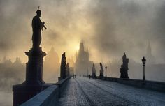 Charles Bridge, Prague, Czech Republic  https://www.facebook.com/Maladviagem http://maladviagem.blogspot.pt/