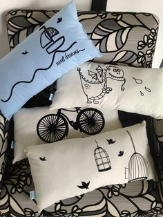 Cojines para sala o cama Cute Pillows, Diy Pillows, Decorative Pillows, Throw Pillows, White Cushion Covers, Diy Cushion, Sewing Pillows, Fabric Dolls, Fabric Painting