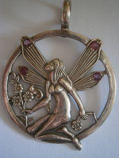Online veilinghuis Catawiki: Art Nouveau Zilveren Hanger met robijntjes (925)