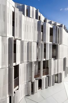 M9-C Building / BP Architectures. A folding envelope, constantly changing and moving.