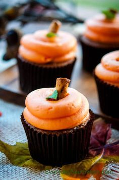 Cream Cheese Pumpkins on Cupcakes Don't put those pumpkins away, yet. These Fall Cupcakes with Cream Cheese Frosting Pumpkins will steal the show at your potluck dinner or on the Thanksgiving Dessert Table. I poste…