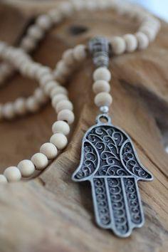 Necklace/chain hamsa