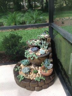 100 Succulent Garden Ideas for Uniqueness and Intrigue in Your Garden – Page 3 of 4 – diy garden landscaping Succulent Landscaping, Succulent Gardening, Cacti And Succulents, Planting Succulents, Backyard Landscaping, Garden Pots, Container Gardening, Succulent Outdoor, Gardening Tips