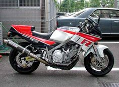 Yamaha FZ 750 1985 japon Motos Yamaha, Yamaha Fz, Kawasaki Motorcycles, Yamaha Motorcycles, Vintage Bikes, Vintage Motorcycles, Cb 600, Ninja Motorcycle, Honda Vfr