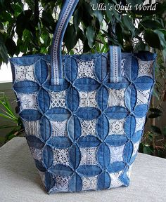 The denim quilt bag: Diameter of a circle is 11 cm and Square is cm. Cathedral window quilt bag by Ulla's Quilt World.The denim quilt bag: Diameter of Cathedral Window Quilts, Cathedral Windows, Patchwork Bags, Quilted Bag, Japanese Patchwork, Patchwork Ideas, Crazy Patchwork, Denim Patchwork, Blue Jean Quilts