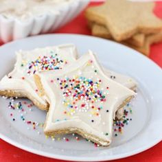 The best gluten-free sugar cookies! Buttery and soft sugar cookies that roll out easily and hold there shape during baking.