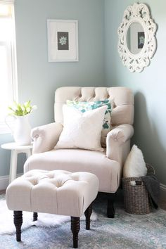 home- cozy office nook, feminine home office, organized home office, small office, decorating, farmhouse office #OfficeChair