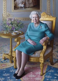 Hm The Queen, Her Majesty The Queen, Save The Queen, Queen Liz, Royal Queen, Rms Titanic, Kate Middleton, Santa Lucia, Uganda