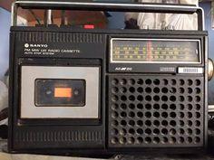 Radio Vintage, Vintage Ads, Childhood Memories Quotes, Sweet Memories, Nostalgia, Radios, Radio Antigua, Transistor Radio, Tape Recorder