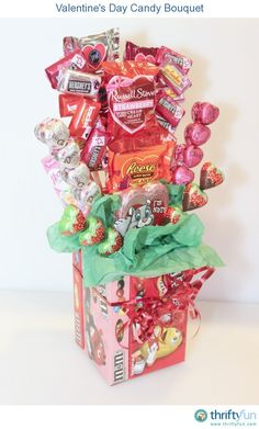 Making a Valentine's Day Candy Bouquet - Basteln Organisation Candy Bouquet Diy, Valentine Bouquet, Gift Bouquet, Food Bouquet, Candy Arrangements, Candy Centerpieces, Centerpiece Ideas, Wedding Centerpieces, Candy Gift Baskets