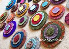 Wool Pennies And Skeleton Keys, Wool Applique, How To Cut Wool Pennies, Rose Clay, Three Sheep Studio Penny Rug Patterns, Wool Applique Patterns, Felt Applique, Print Patterns, Felted Wool Crafts, Felt Crafts, Fabric Crafts, Wool Quilts, Wool Fabric