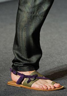 Los 35 zapatos de hombre para el verano 2013  Etro.