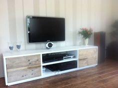Steigerhout TV-meubel Francsisca - Steigerhout Furniture | Exclusieve steigerhout meubelen voor binnen en buiten! Uw steigerhouten meubelen en tuinmeubelen op maat gemaakt.