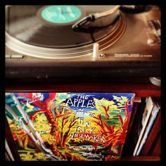 The Apples In Stereo - Fun Trick Noisemaker (2012 reissue)