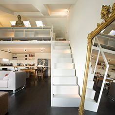 Scala e soppalco realizzati da NIVA-line: Ingresso, Corridoio & Scale in stile in stile Moderno di Ni.va. Srl