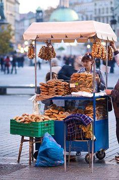 Poland / In Krakow, you can buy your kielbosa from a street vendor. World Street, Poland Travel, Italy Travel, Krakow Poland, Polish Recipes, Food Trucks, Central Europe, Eastern Europe, Historical Sites