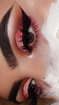 Eye makeup idea , cut crease makeup , pink cut crease, wedding makeup idea #makeupideas #weddingmakeup #pinkcutcrease