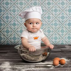 Monthly Baby Photos, Newborn Baby Photos, Baby Poses, Newborn Pictures, Baby Boy Newborn, Newborn Photography Poses, Newborn Baby Photography, Book Bebe, Poses Photo