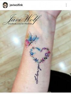 Awesome tiny tattoos ideas are readily available on our internet site. Take a look and you wont be sorry you did. Neue Tattoos, Body Art Tattoos, Small Tattoos, Heart Wrist Tattoos, Tattoos Skull, Tattoos For Daughters, Sister Tattoos, Girl Tattoos, Tatoos