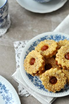 Csak a Puffin Hungarian Recipes, Sweets Cake, Sweet Recipes, Main Dishes, Muffin, Cookies, Baking, Breakfast, Wafer Cookies
