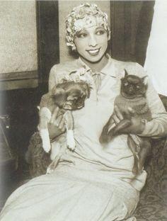 Josephine Baker with her Pekingese 'Baby Girl' and her Brabancon 'Fifi', 1928