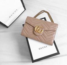 0b19bb3aca34 17 Best Gucci woc images | Gucci handbags, Gucci purses, Gucci bags